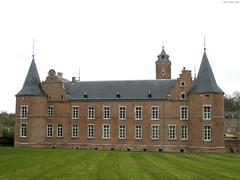 Alden Biesen (Rick & Bart) Tags: castle history church belgium haspengouw bilzen aldenbiesen waterburcht platinumphoto rijkhoven rickbart rickvink