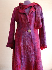 Coat felted from merino and silk lap (ingermaaike2) Tags: felted long purple handmade coat silk felt merino norsk wetfelted husflid hndlaget woolred