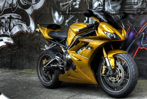 triumph daytona 675 se limited edition picture design and review