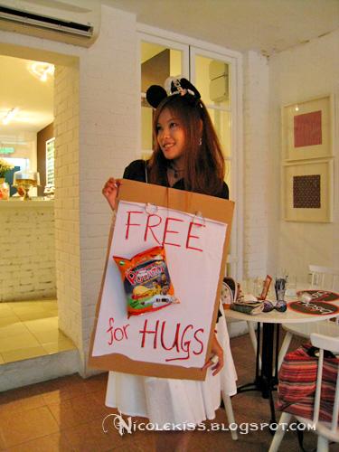 free hugs nicole