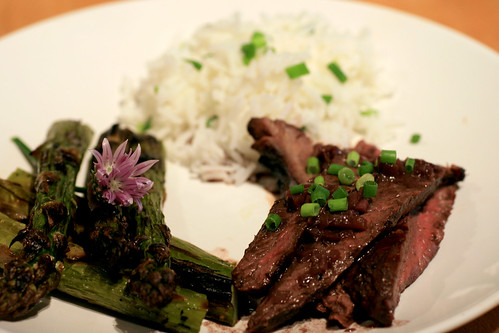 hanger steak, asparagus and rice