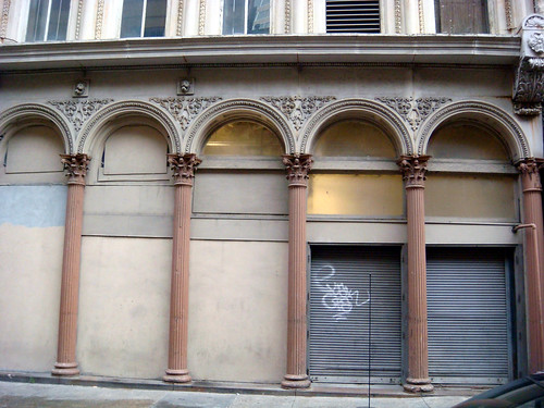 italianate facade
