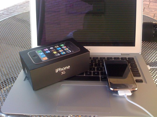 iPhone 3G in hand!
