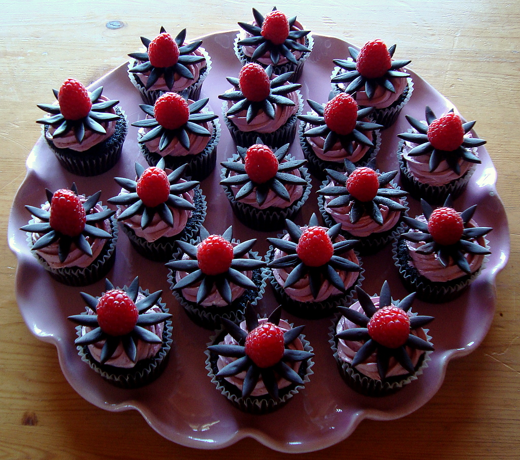 sandwiches white chocolate strawberry cupcakes cupcake with chocolate ...