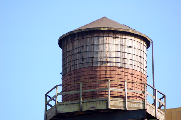 081508_pearl_water_tower_close