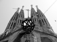 sagrada (mikeedesign) Tags: barcelona park city people art beach fountain rock architecture nude fun spain gothic statues playa climbing gift gaudi font miesvanderrohe bauhaus ho guell sitges duchamp hola cadeau bicyclewheel manray gotic bouganvelia rmutt sacredfamily