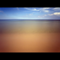 red  blue (Paul Petruck) Tags: longexposure blue red sky beach skyline soft balticsea minimal usedom seenintheinterestingnessarchives ckeritz vacation2008