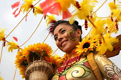 Pintaflores Festival, Negros Occidental at Aliwan 2008 (richard thomson) Tags: festival fiesta philippines manila pintaflores aliwan