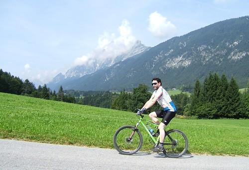 Cycling through Eggen