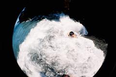 [LOMO FISHEYE] Crush (Kailos (TremendoViaje.com)) Tags: beach strand la lomo fuji superia memories playa fisheye 400 felicidad palma hapiness outdated