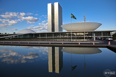 Congresso Nacional do Brasil - National Congress of Brazil (rbpdesigner) Tags: brazil slr niemeyer braslia brasil df br capital congress getty government onsale congreso regierung canonef2470mmf28lusm congresso gettyimages brsil distritofede