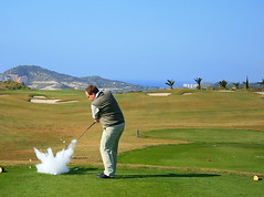 The shot of the day! (runardo) Tags: golf joke trick pranks badshot