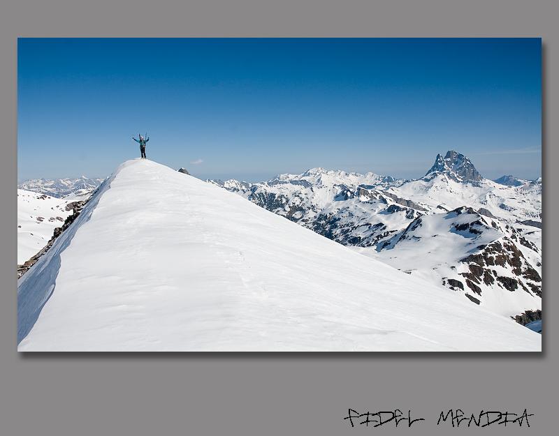 Txuma Ruiz en la cima del Arroyeras 2565 m