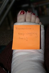 if my ankle could talk... take two (mellyjean) Tags: random postit cast ankle brokenankle randomfun