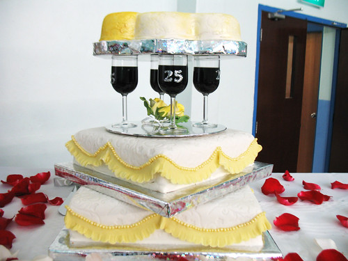 Connie Lewis 39 25th Wedding Anniversary Cake by acroamatic