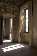 (*maya*) Tags: house abandoned casa ancient empty creativecommons villa manor antico lonelyness solitudine vuoto abbandono bollate abbandonato arconati dimora castellazzo villaarconati