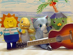 The Paper Band (JenniferGan) Tags: cute cat paper interesting guitar quality lion olympus best pokemon gibson zuiko kappa oly charmander e330 1445mm pepakura