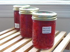 Soft-Set Peach with Red and White Currant Jam