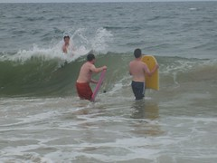 Letting a wave pass by (Tappel) Tags: obx 08