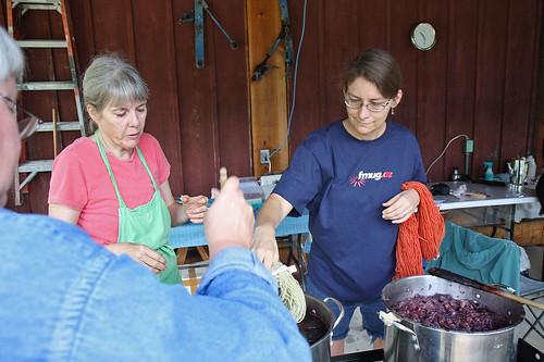 Adding yarn to more dyebaths