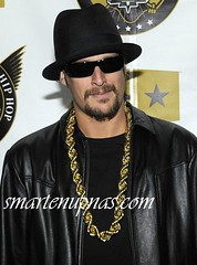 kid rock ...rocking a dookie gold chain