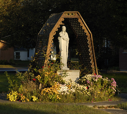 Saint Francis of Assisi Roman Catholic Church, in Portage des Sioux, Missouri, USA - Marian garden