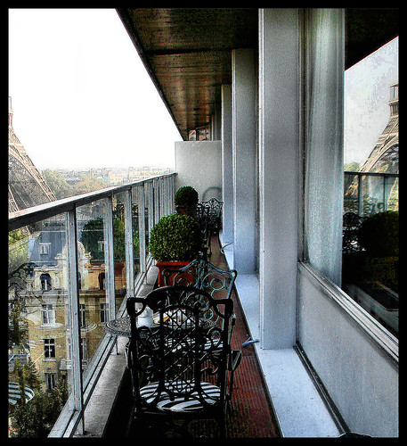 Paris: Balcony with a view