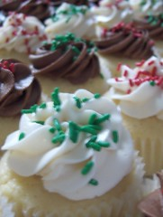 So Many Christmas Cupcakes!