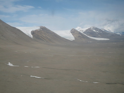 Entering the Dry Valleys