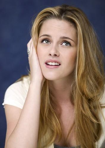Kristen Stewart by ♥ Caitaly ♥.