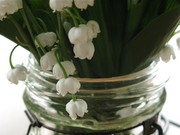 lily of the valley flower canning jar 001