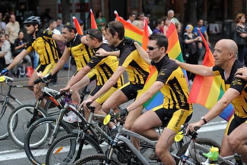 Gay pride 105 - Marche des fiertés Toulouse 2011.jpg