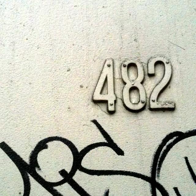 mono type 482 on broome st #walkingtoworktoday