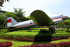 Garuda Indonesian Airways   Douglas DC-3 (C-47)   PK-OAZ   Jakarta (Dennis HKG) Tags: plane ga airplane airport aircraft jakarta gia douglas dc3 dakota garuda wiii planespotting cgk garudaindonesia pkoaz