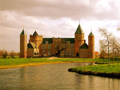 WESTHOVE CASTLE (Akbar Simonse) Tags: holland castle netherlands thenetherlands zeeland kasteel walcheren domburg stayokay blueribbonwinner hda oostkapelle westhove manteling betterthangood theperfectphotographer dedoka 200000000stagelovers akbarsimonse westhovecastle kasteelwesthove rm507929