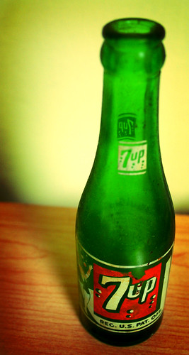 vintage 7up bottle by ginnerobot.