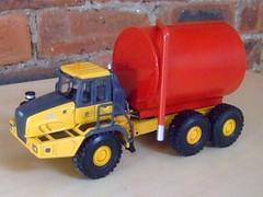custom deere tanker (Scale:50.UK) Tags: scale construction models mining caterpillar coal euclid diggers conrad adt diecast bagger joal replicas dumper hauler 150th terex code3 poclain nzg norscot gescha