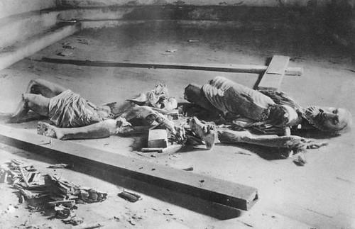 Imágenes destrozadas en la Guerra Civil en el Convento de Santa Isabel, Toledo