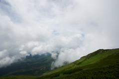 雲間から原始ヶ原を見下ろす