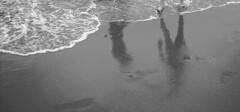 ..::Camminando in riva al mare...::.. (Giulietta87) Tags: bw mare riva ombre loveit acqua bianco nero piedi sanvincenzo camminare lifebeautiful alwayscomment5