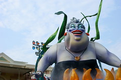 Parade of Dreams (SDG-Pictures) Tags: show california costumes fun happy disneyland joy performance dressup happiness disney parade entertainment characters southerncalifornia orangecounty anaheim ursula magical enjoyment themepark roles role entertaining roleplaying disneylandresort paradeofdreams disneycharacters disneyparade 1855mmlens disneythemeparks makingmagic disneyparades littlemermaidfloat july112008 themeparkfun takenbystepheng
