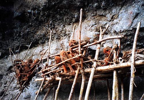 Mayat 'asap' dari suku Kuku-Kuku Aseki di Papua Nugini