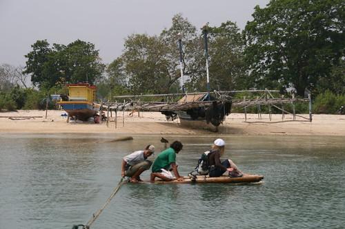 Mit dem Floß zum Boot