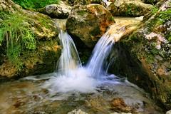 Acqua azzurra, acqua chiara con le mani posso finalmente bere ...