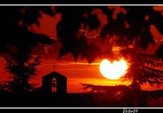 Rosso di sera... (sirVictor59) Tags: sunset red italy topf25 silhouette topf50 italia tramonto nikond70 101 fabulous sole 70300mm topf100 rosso nero soe viterbo abigfave a
