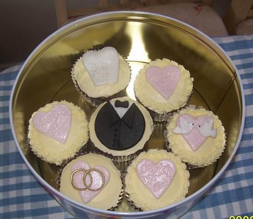 Wedding theme cupcakes