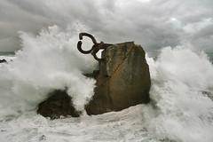 Olas furiosas/ Furious waves (zubillaga61) Tags: sea photoshop mar waves sansebastian olas donostia peinedelosvientos