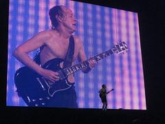 2008-12-14 - AC~DC Black Ice Tour - 1571 (Prescott E. Small) Tags: acdc metal concert texas guitar angus houston rocknroll toyotacenter darksoul cameraeye prescottesmall txcameraguy