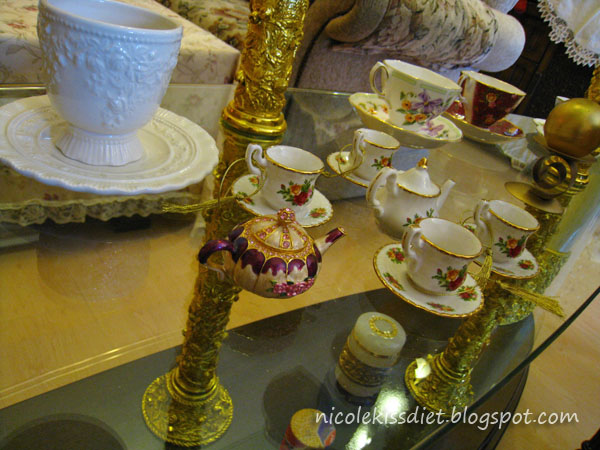 pretty teacups arrangement