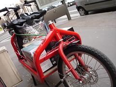 bullit (Bicimensajero) Tags: paris fun bikemessenger bullit cargobike 20kg cyclecourier urbancycle coursieravelo